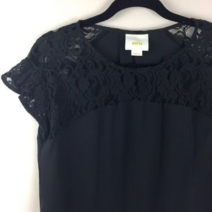 ANTHROPOLOGIE MAEVE Lace Sleeve Top/Blouse